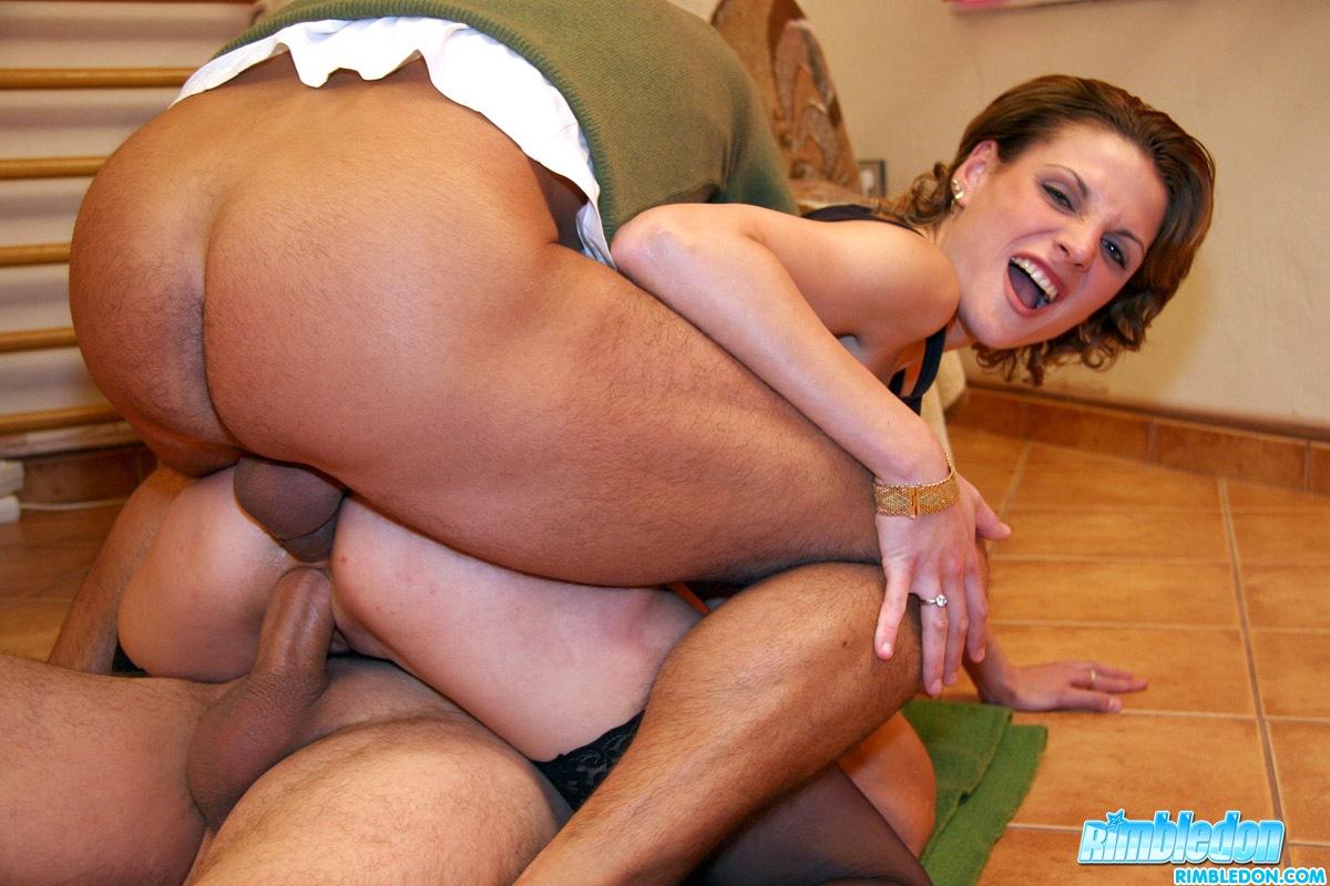Horny Lady Kamila Tunes Guys Asses Og Begs For Wild Double Fyldning-7173