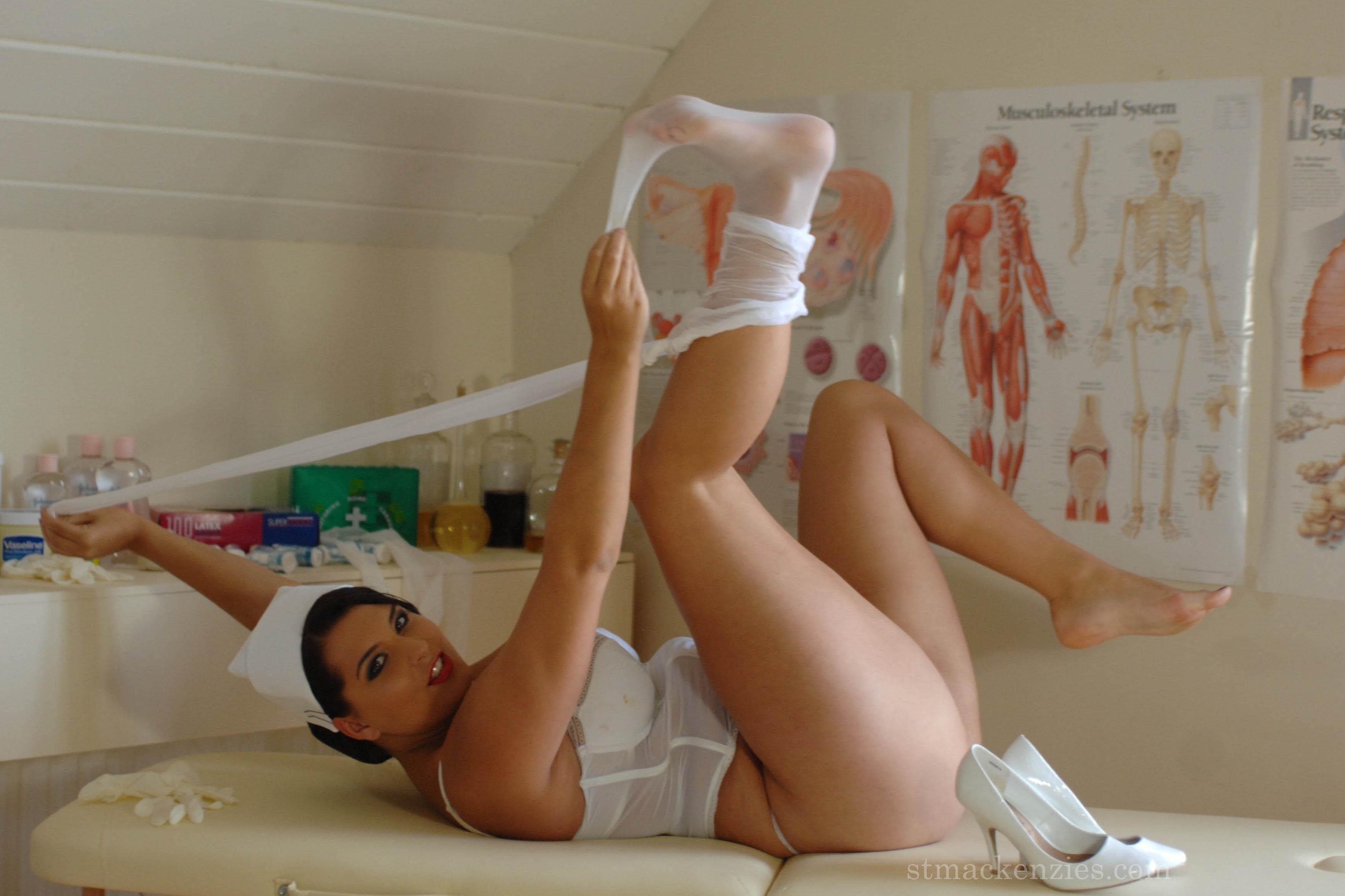 Фото голых и толстых медсестры 23 фотография