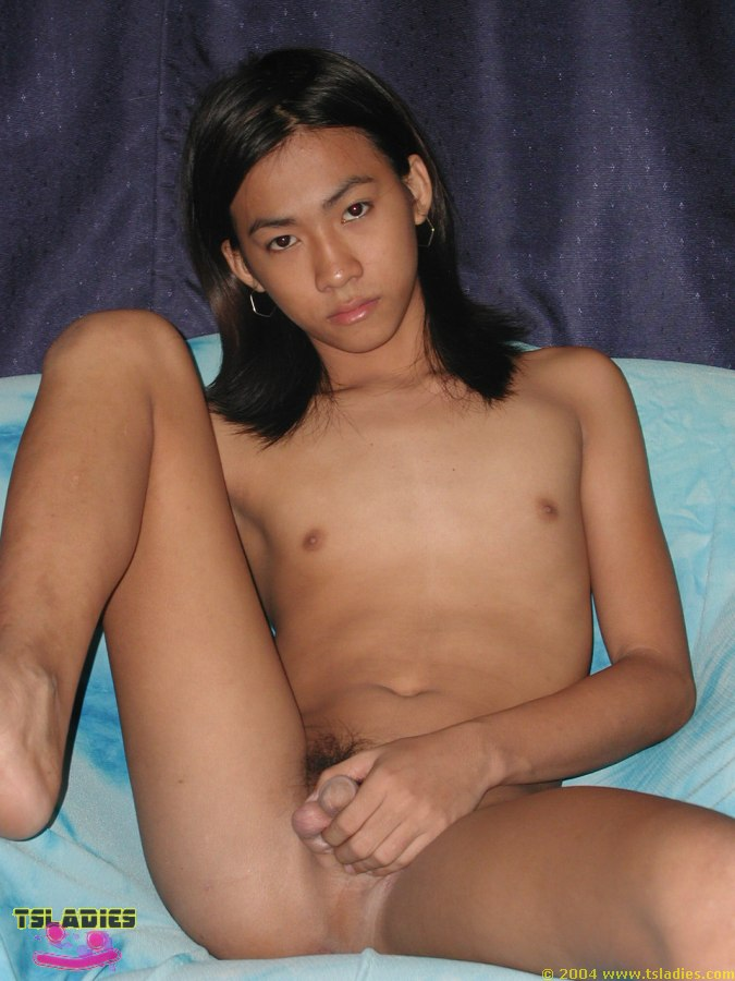 amateur boob heavy top