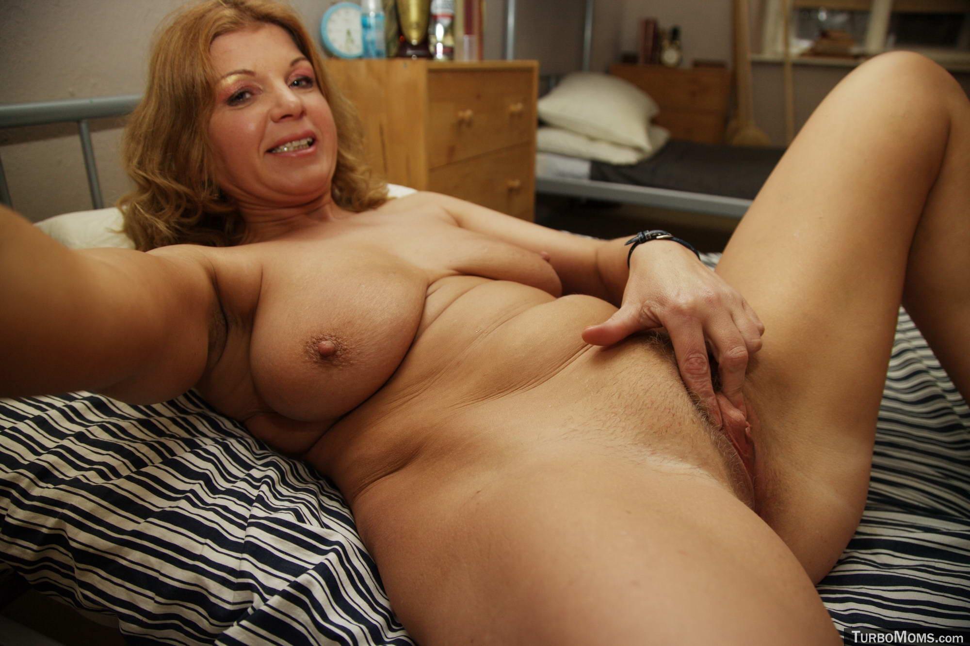Czech Milf Jasmina Is Tricked Into Sex