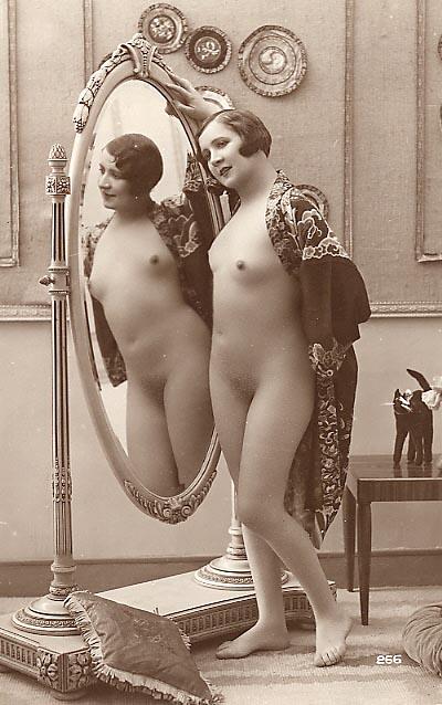 Смотреть ретро фото голых женщин