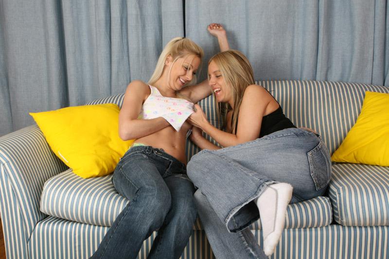Lesbian Sex In Jeans