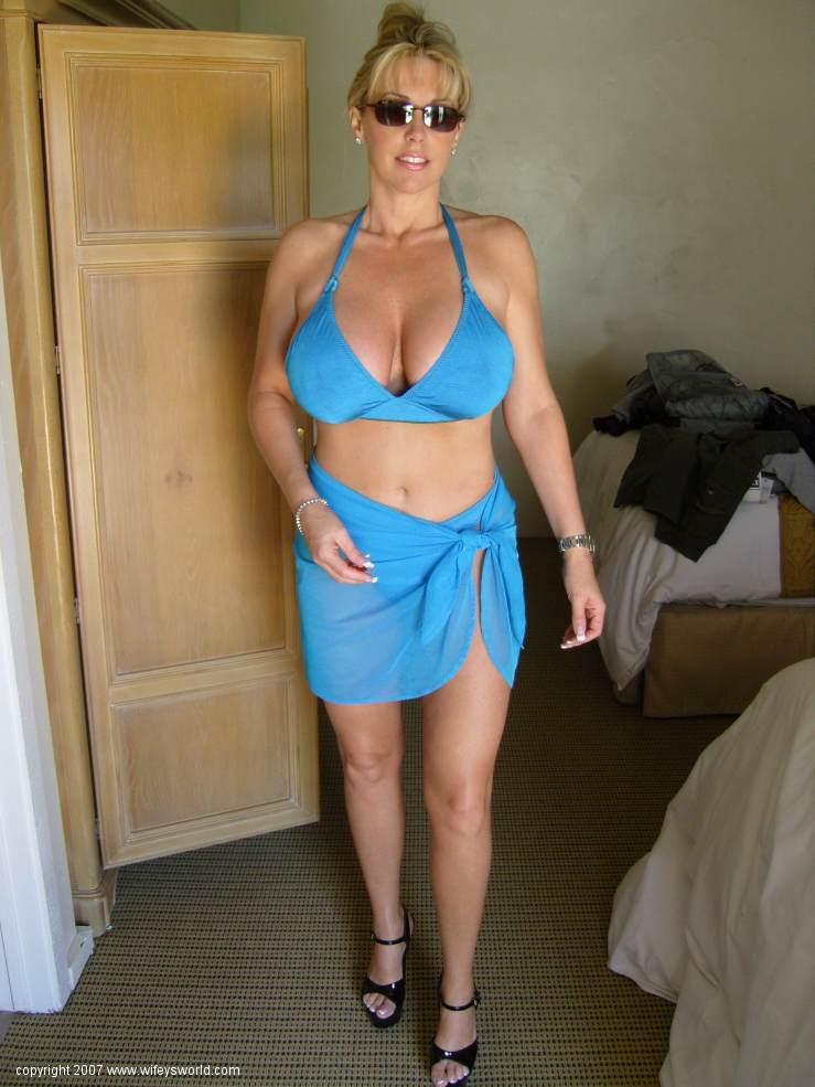 Wifeys world bikini